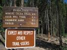 peaks-trail-sign